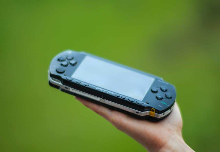 Playstation Portable owners across the world have reported swelling batteries for the original PSP 1000 and slim models.